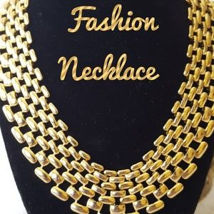 Jewelry - GORGEOUS Goldtone Layered Necklace